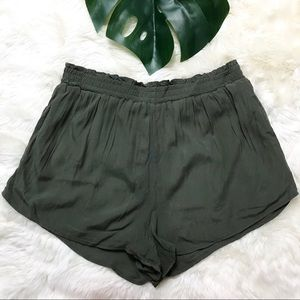 FOREVER 21 high rise olive green shorts